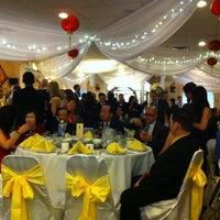 Photo taken at U Garden Chinese Restaurant by Lindsi G. on 4/14/2012
