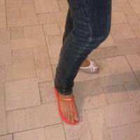 Photo taken at Havaianas by Janice Ann A. on 6/20/2012