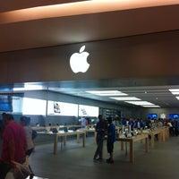 Photo taken at Apple RomaEst by Antonio C. on 9/1/2012