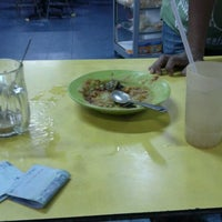 Photo taken at Restoran Asyraf by Izzul H. on 1/31/2012