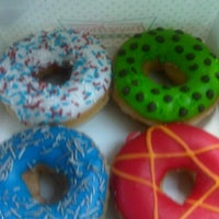 Photo taken at Krispy Kreme by fAbY S. on 4/16/2012