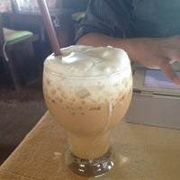 Photo taken at Doi Chang Coffee by Pattie C. on 3/15/2012
