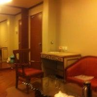 Photo taken at Hotel aram by Earnest K. on 11/23/2011