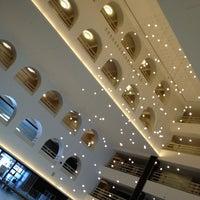Photo taken at Boston Marriott Long Wharf by zhiyu z. on 7/14/2012