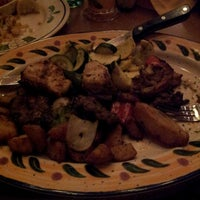 Photo taken at Olive Garden by Altaha C. on 7/14/2012