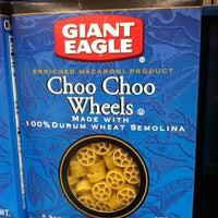 Photo taken at Giant Eagle Supermarket by David H. on 10/3/2011