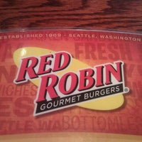 Photo taken at Red Robin Gourmet Burgers by Jeff w. on 1/9/2011