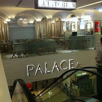 Photo taken at PALACE ifc 百老匯院線 by William S. on 6/10/2011
