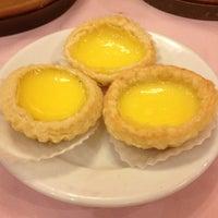 Photo taken at Good Kitchen Restaurant by Alex C. on 12/25/2011