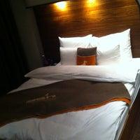 Das Foto wurde bei 25hours Hotel Hamburg HafenCity von Christian S. am 8/10/2011 aufgenommen
