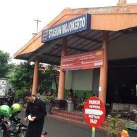 Photo taken at Stasiun Mojokerto by Dwi Kusuma W. on 5/14/2012