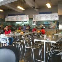 Photo taken at Restoran Taj Point by Azri A. on 9/2/2012