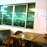 Photo taken at Restoran Rassy, Institut Memandu Cemerlang by Syzeanez A. on 12/28/2011