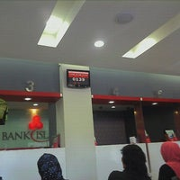 Photo taken at Bank Islam by RaFiz F. on 11/21/2011