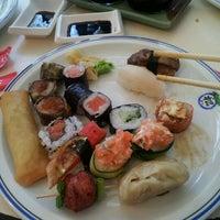 Photo taken at Matsu Japanese Food | 松 by Thiago M. on 8/30/2011