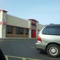 Photo taken at Wendy's by Joycena K. on 5/24/2012