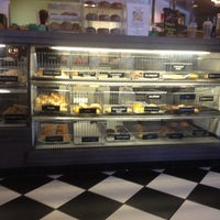 Photo taken at 42nd Street Bagel Cafe by 🌺Isabel G. on 6/12/2012