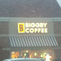 Photo taken at BIGGBY COFFEE by Emma R. on 1/12/2012