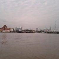 Photo taken at ท่าเรือพระราม 7 (Rama 7 Pier) N24 by Jarkde P. on 12/24/2011