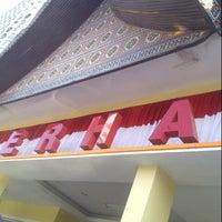 Photo taken at RM Padang SEDERHANA Pandanaran by Dian N. on 8/25/2012