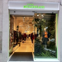 Photo taken at Skunkfunk Store Barcelona by Skunkfunk on 2/28/2012