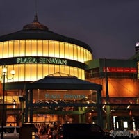 Photo taken at Plaza Senayan by setioso on 8/4/2012