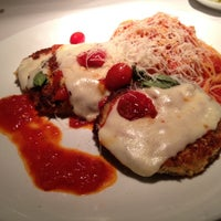 Photo taken at Romano's Macaroni Grill by Farah O. on 7/19/2012