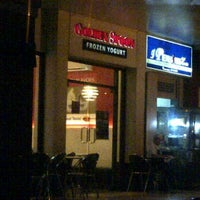 Photo taken at Golden Spoon by Elmer C. on 4/25/2012