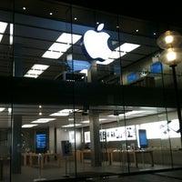 Das Foto wurde bei Apple Rosenstraße von Alessio M. am 10/14/2011 aufgenommen