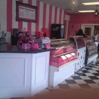Photo taken at Sugar Shack Candy Bouquet by Justin R. on 9/1/2011