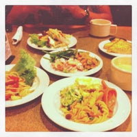 Photo taken at Sizzler by Nerixxa on 8/27/2011