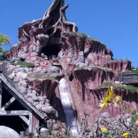 Photo taken at Splash Mountain by Desiree M. on 5/14/2012