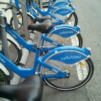 Photo taken at Vélo Bleu (Station No. 28) by Iarla B. on 8/13/2011