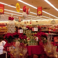 Photo taken at Winn-Dixie by Amanda T. on 12/19/2011
