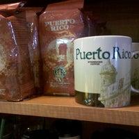 Photo taken at Starbucks by NataschaOS on 12/22/2011