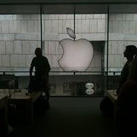 Das Foto wurde bei Apple Rosenstraße von Tom v. am 7/12/2012 aufgenommen