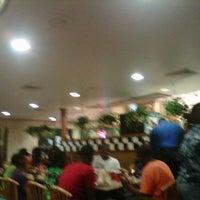 Photo taken at Pizza Hut by Ziplok on 12/4/2011