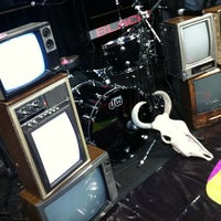 Photo taken at Caradura Stage Bar by Alfredo L. on 6/28/2012