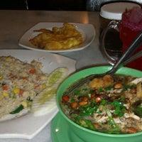 Photo taken at Restoran Pak Mal Nasi Ayam by Hudhayfah Z. on 9/19/2011