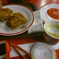 Photo taken at KFC by Armitha H. on 9/26/2011