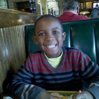 Photo taken at Ruby Tuesday by Reggie B. on 11/19/2011