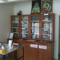 Photo taken at Metta Lodge Pusat Buddhist, Johor by Heng C. on 4/27/2011
