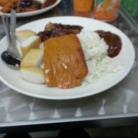 Photo taken at Fong Seng Fast Food Nasi Lemak by Fiona L. on 7/20/2012