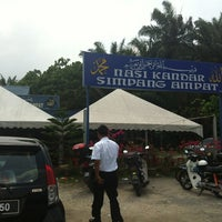 Photo taken at Nasi Kandar Simpang Ampat by Chopper O. on 2/21/2012