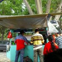 Photo taken at Bakmi Aseng by Fajar Sakti A. on 10/5/2011