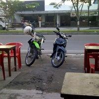 Photo taken at Cafe NANGGROE by Teuku A. on 11/14/2011
