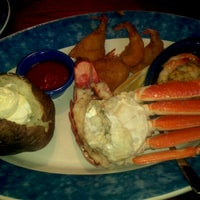 Photo taken at Red Lobster by C H. on 9/5/2011