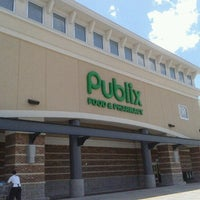 Photo taken at Publix by juankmilo q. on 7/22/2012