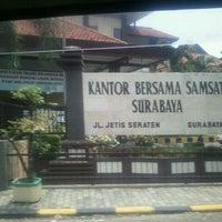 Photo taken at Samsat Surabaya Selatan by Navy N. on 12/5/2011