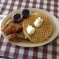 Photo taken at Roscoe's House of Chicken and Waffles by Stephanie L. on 5/5/2012